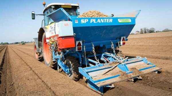 Types of tractors for processing potatoes and their use