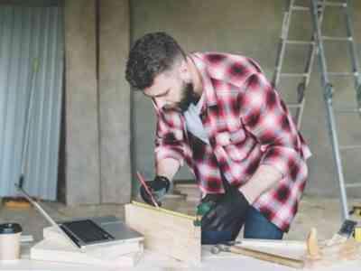 DIY chicken house construction