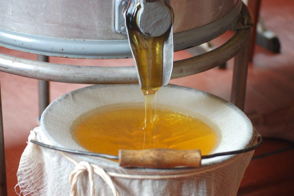 Essential beekeeper inventory for successful beekeeping