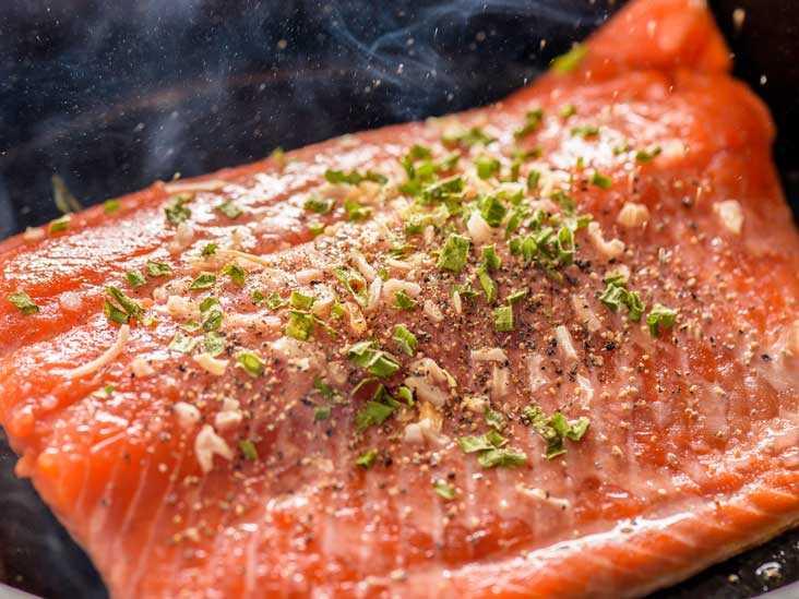 Salmon, Calories, benefits and harms, Useful properties