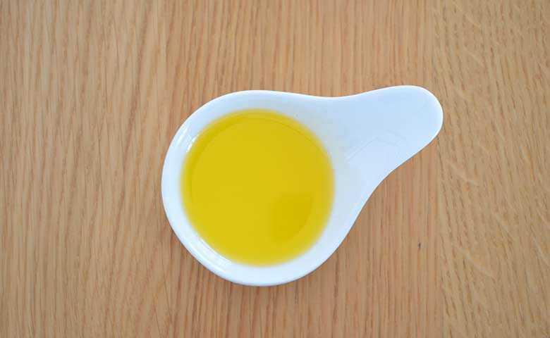 菜種油、カロリー、利点と害、有用な特性