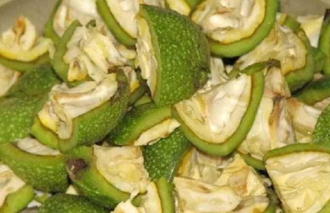 Jak używać zielonych orzechów włoskich z miodem